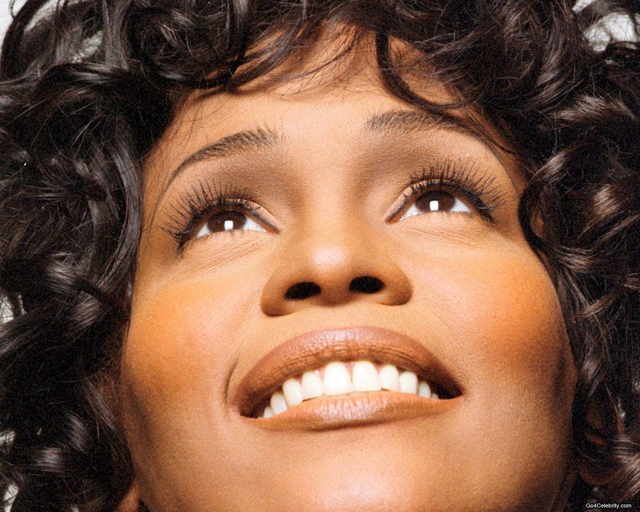 Resultado de imagem para Quem foi Whitney Houston?